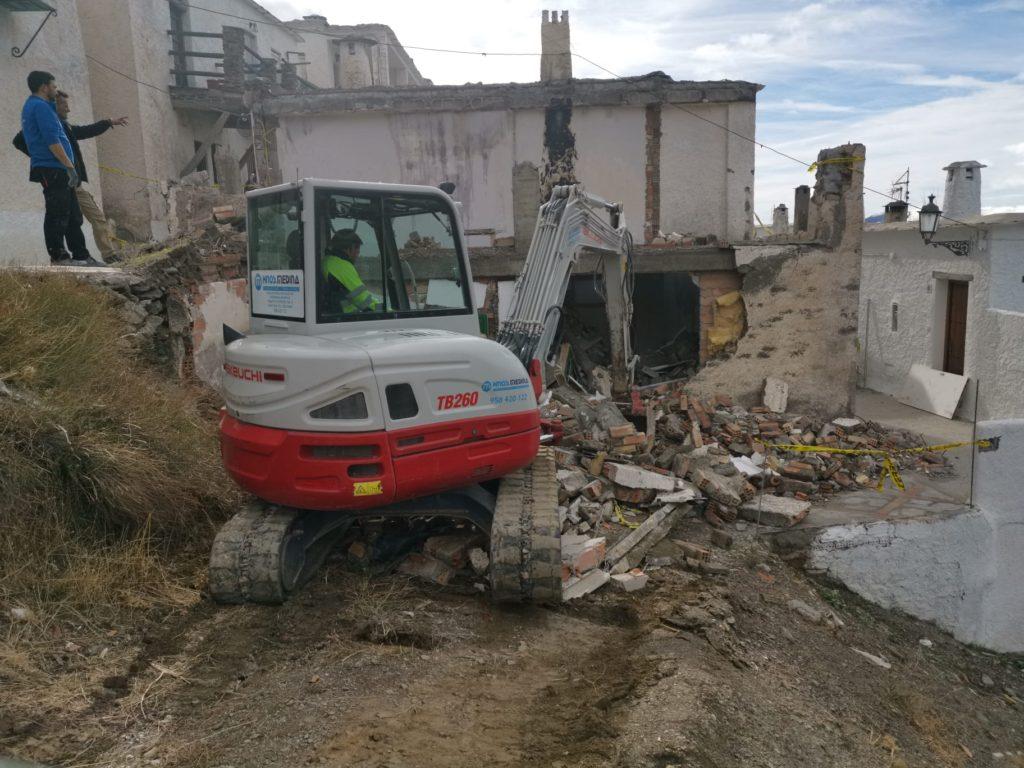 Derribo de vivienda en Capileira